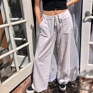Trendy white linen pants